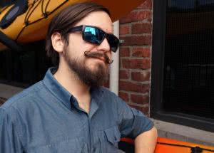 gordie-in-smith-sunglasses