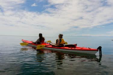 kayaks in vicotira